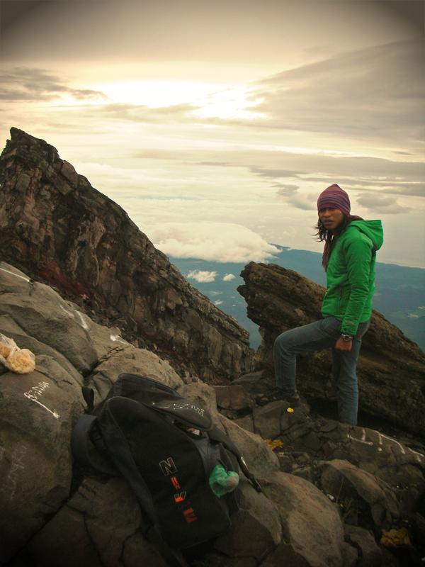 Mendaki Gunung Agung, Bali